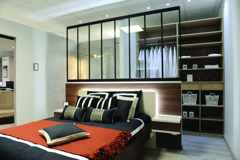 le dress code du dressing visite d co. Black Bedroom Furniture Sets. Home Design Ideas